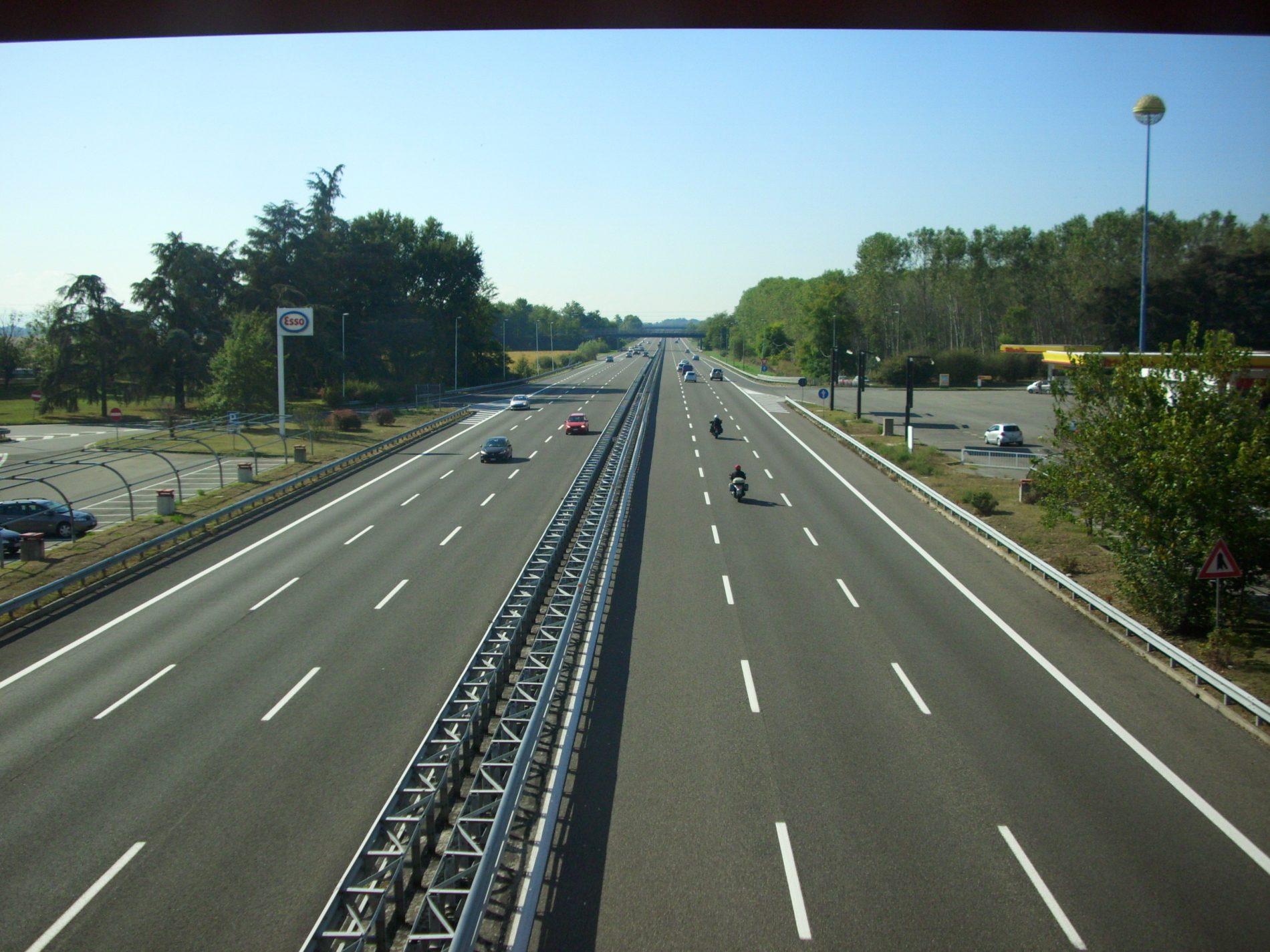 Autostrade: via libera a terze e quarte corsie