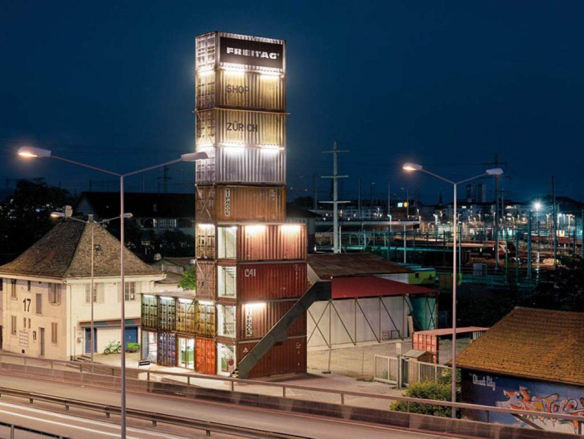 """""""Flagship store"""", l'edificio metallico costruito con 17  container"""